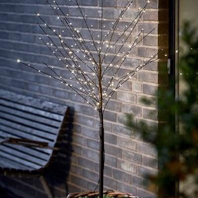 Lystræ med 200 LED lys i varm hvid