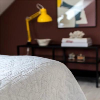 TRIO sengetæppe, lysegrå