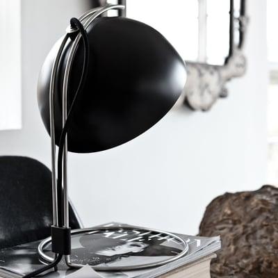 Flowerpot VP4 bordlampe i matsort